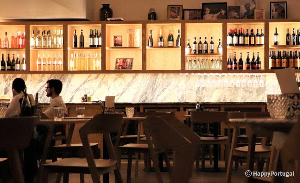 Interior restaurante mano a Mano, Portugal